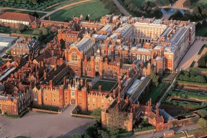 alojarse en el Hampton Court Palace