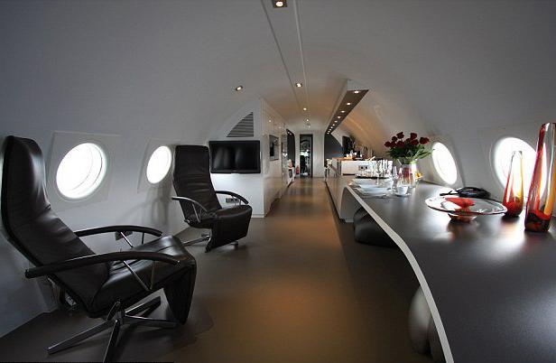 avion reconvertido en hotel en Holanda