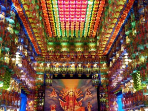 colors-of-durga-puja-in-kolkata--hatibagan