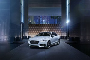 galery1_Jag_New_XF_S_Location_Image_010415_06_LowRes
