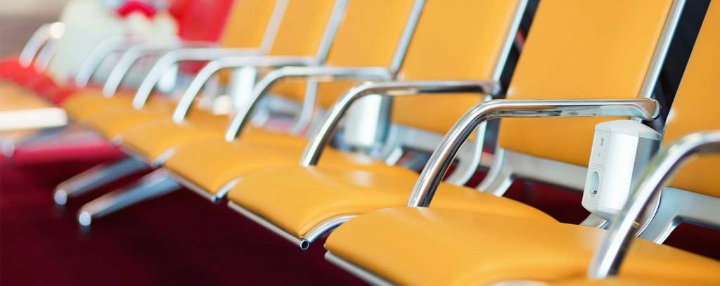 sillas en aeropuertos con enchufes