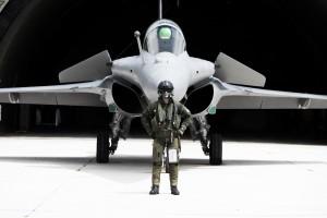 Rafale-pilot-wearing-BR03.tif
