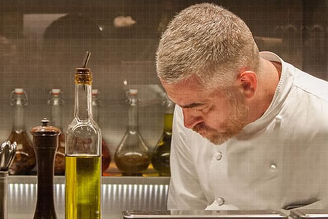 El chef Alex Atala, en su cocina.