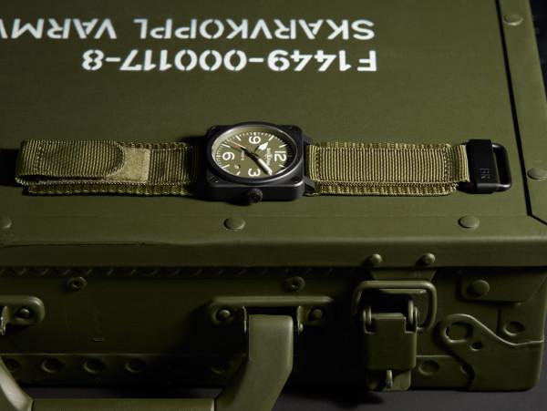 BR03-92 Military Type, un reloj que homenajea el espíritu castrense.