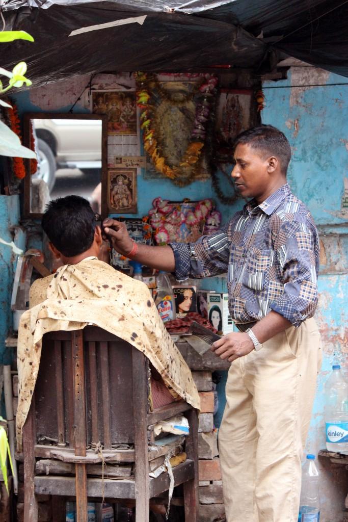 Barbero en Calcuta © Luis Martín-Crespo