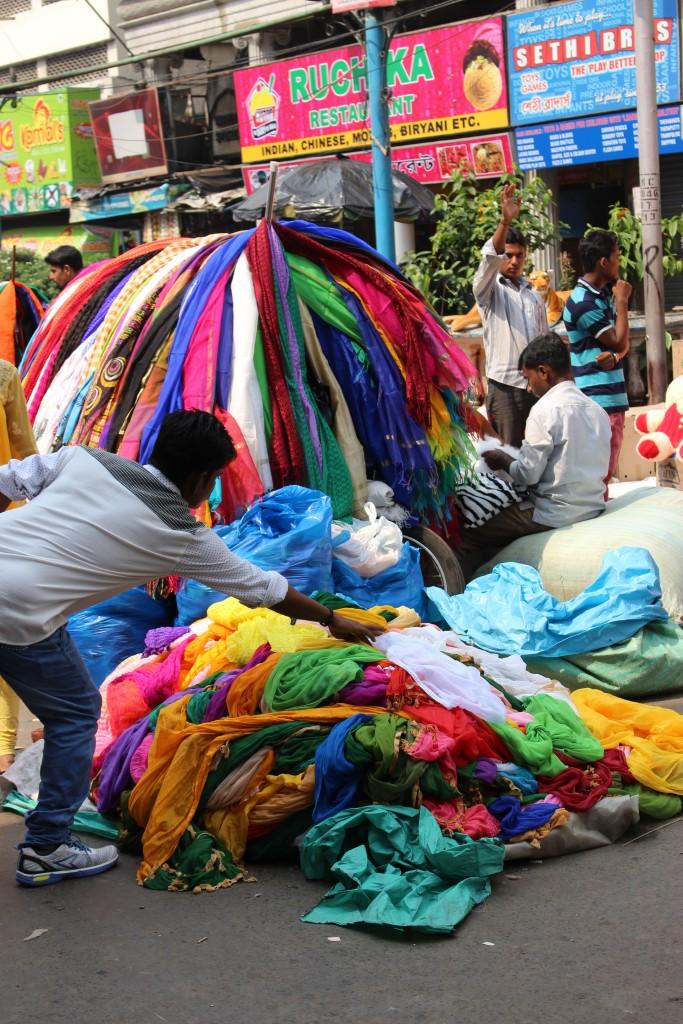 Multitud de flashes de colores en Calcuta