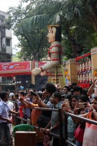 Gente fotografiando los pandals