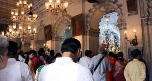 Puja en palacio de Sovabazar Rajbati