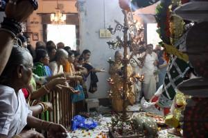 Puja en Sovabazar Rajbati