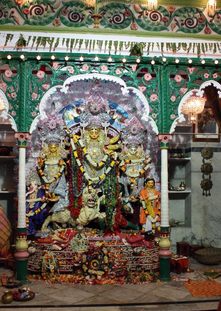 Durga Puja en Narasingha Dawn