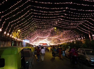 iluminación Calcuta por Durga Puja