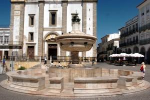 Plaza de Évora.