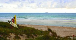 El viento es fuerte en el Alentejo, lo que hace sus playas perfectas para el surf. Imagen: Turismo del Alentejo.