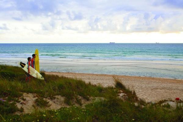 el viento es fuerte en el alentejo lo que hace sus playas perfectas para el
