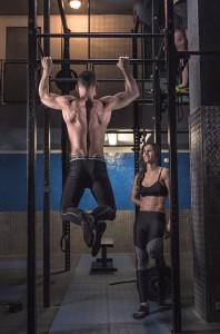 Es un deporte muy popular entre hombres y mujeres.