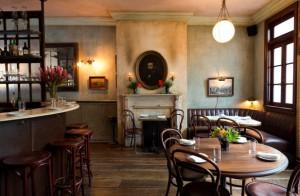 Maison Premiere: la exquisita combinación de ostras y espirituosos.