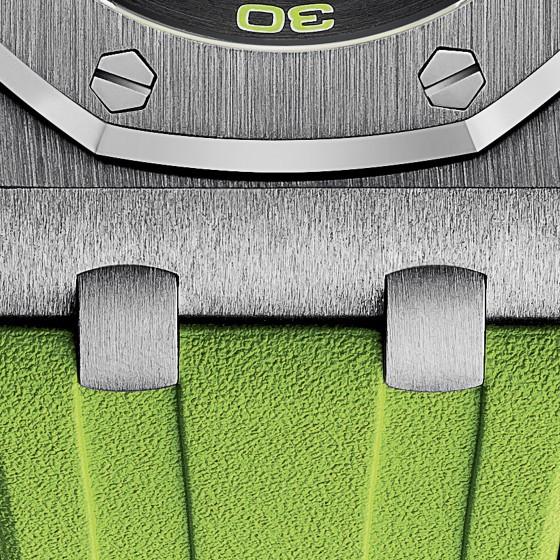 Detalle de la pulsera del Royal Oak Offshore Diver, en verde.