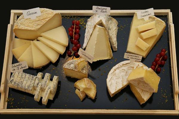 Una deliciosa tabla de quesos de Androuët. Imagen de su página de Facebook.