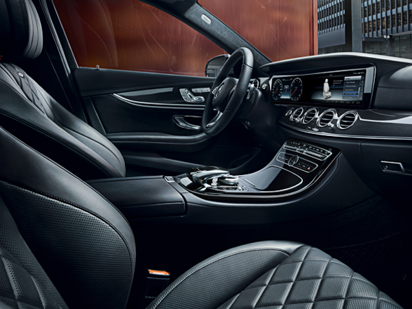 Interior de la nueva berlina Clase E. Imagen de Mercedes.