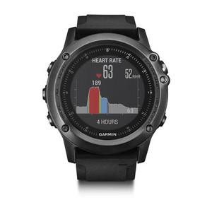 El fēnix 3 HR controla nuestro ritmo cardiaco.