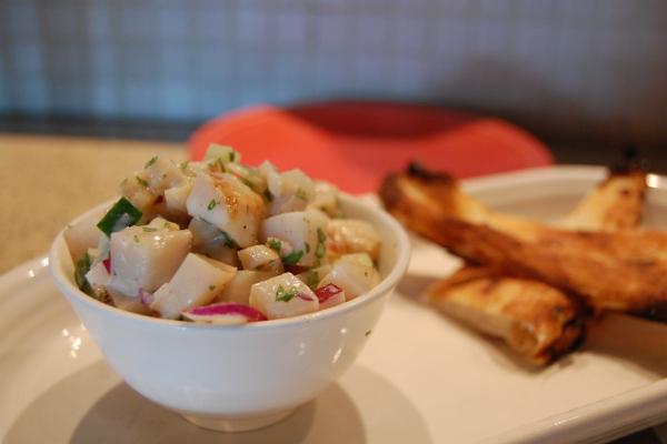 Imagen de un ceviche, plato de pescado marinado con cítricos. Foto de  stu_spivack.