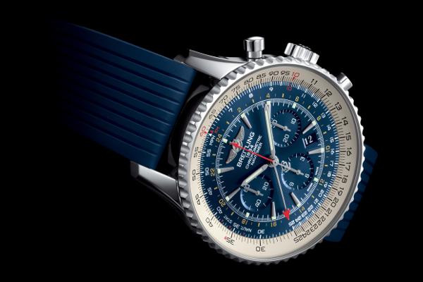 Navitimer GMT Aurora Blue: belleza en azul.