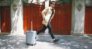 Cowarobot y sus maletas que localizan y siguen al propietario.
