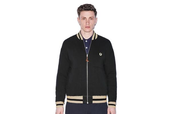 ¿No se imaginan saliendo del college a entrenar con esta chaqueta?