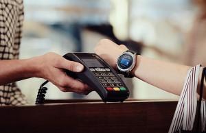 Pagar sin llevar la cartera encima: es posible con este modernísimo smartwatch.