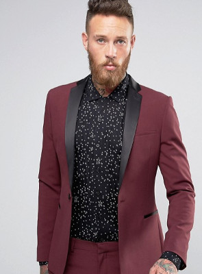La camisa marca la diferencia entre un look más serio u otro más original.