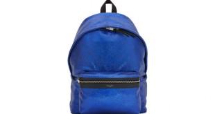 Saint Laurent nos ofrece mochilas con un toque de sofisticación.