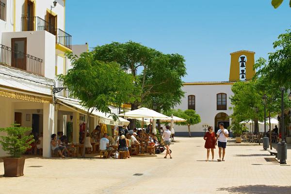El pueblo encantador de Santa Gertrudis. Imagen de Ibiza Travel, página oficial de turismo de Ibiza.