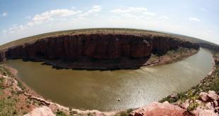 """El río Penna a su paso por la localidad de Gandikota, es conocido como el """"Gran cañón de La India""""."""