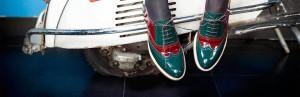 Una imagen de los modernos zapatos de Beatnik.