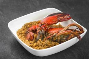 El arroz con bogavante, meloso y delicioso.