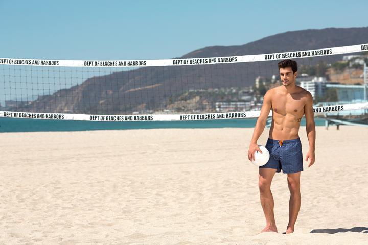 Evita roces y calor durante la práctica de vóley o palas, frisbee, nadar o cualquier otro deporte y juego.