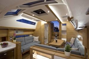 La distribución de la cabina interior está muy conseguida para sentir amplitud.