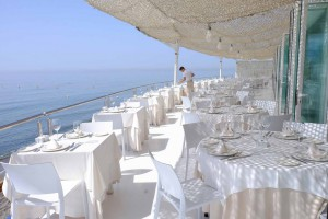 A orillas del Mediterráneo y el mejor pescadito frito. En el restaurante El Ancla de San Pedro de Alcántara.