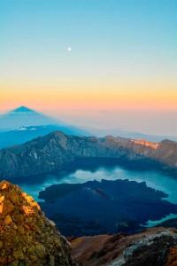 La boca del volcán Gunung Rinjani de Lombok.