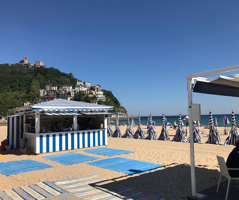 Una oferta económica sin perder calidad en La Carpa, Playa de Ondarreta, San Sebastián.