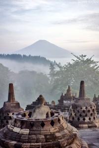 Mágico es el ambiente que se respira en el Templo Borobudur de Java.
