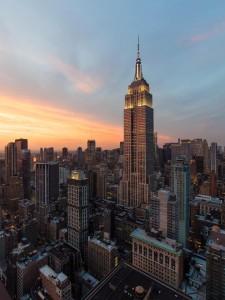 El Empire State Building majestuoso durante la puesta del sol. Foto: DBOX