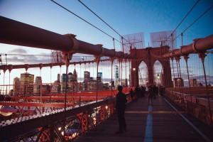 Vistas a Manhattan desde el puente de Brooklyn. Foto: Anthony Delanoix para unsplash.com