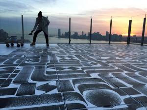 The Standard organiza sorpresas como esta en su terraza Le Bain. Foto de Neil Aline