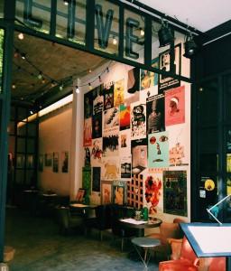 Calder, Picasso, Botero, Tàpies, Miró... han acompañado durante unos meses a los clientes de este restaurante gracias a Amnistia Internacional Barcelona. Foto: facebook de Artte