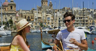 Hora del bruch en el puerto de La Valeta, la capital de Malta