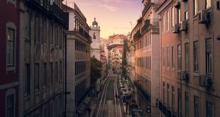 Recorrer las calles de Lisboa para encontrar tiendas con encanto es el plan que les proponemos