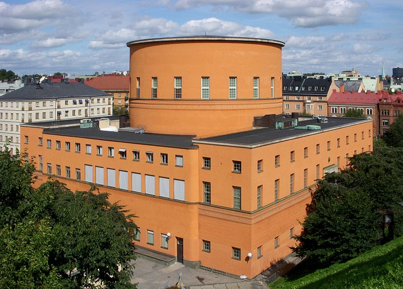 edificio cilíndrico biblioteca Estocolmo