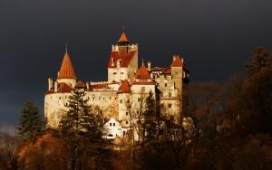 El castillo de Bran es el lugar al que acuden todos los que quieren rememorar la leyenda de Drácula. Foto: facebook de Otra Fachada de Rumania