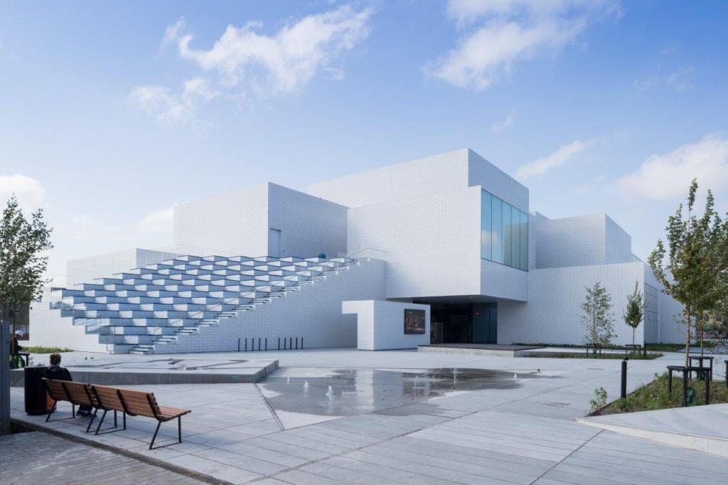 Su exterior ya recuerda a los bricks, una impresión buscada por los arquitectos del Bjarke Ingels Group (BIG). Foto: Lego
